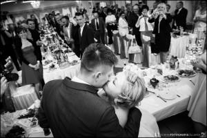gorzko gorzko, pocałunek na osłodę wódki